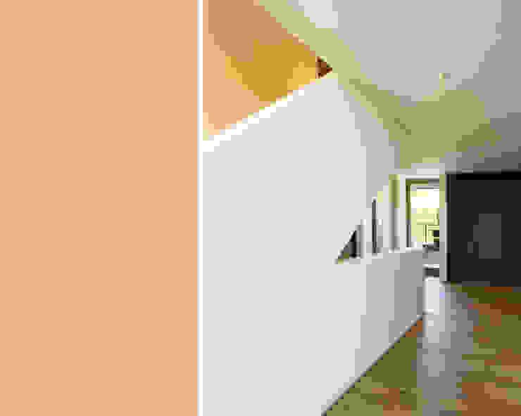 meier architekten zürich Couloir, entrée, escaliers modernes Blanc