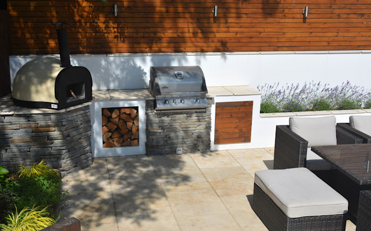 Pizza oven and BBQ:  Garden by Robert Hughes Garden Design, Modern