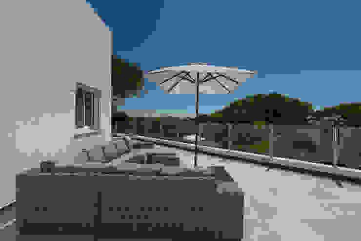 Zenaida Lima Fotografia Classic style balcony, veranda & terrace
