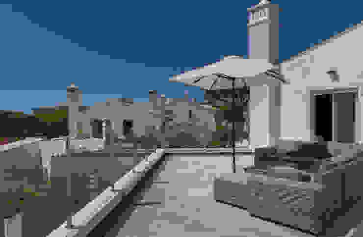 Vale do Lobo V3 Varandas, marquises e terraços clássicas por Zenaida Lima Fotografia Clássico