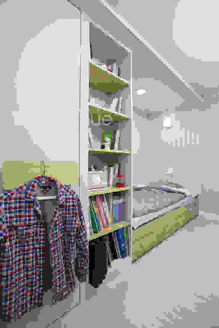가족들에게 꼭 맞춰진 아이템들로 채워진 새집같은 우리집 리모델링 모던스타일 아이방 by 퍼스트애비뉴 모던