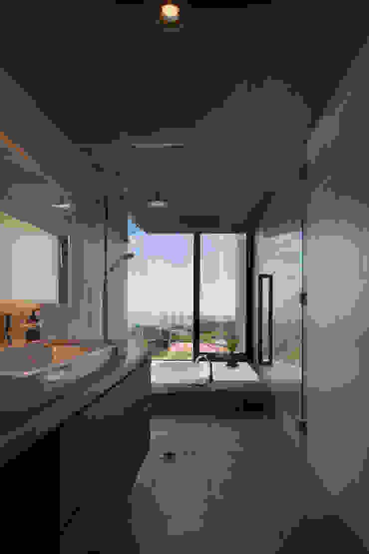 浴室 オリジナルスタイルの お風呂 の 株式会社クレールアーキラボ オリジナル タイル