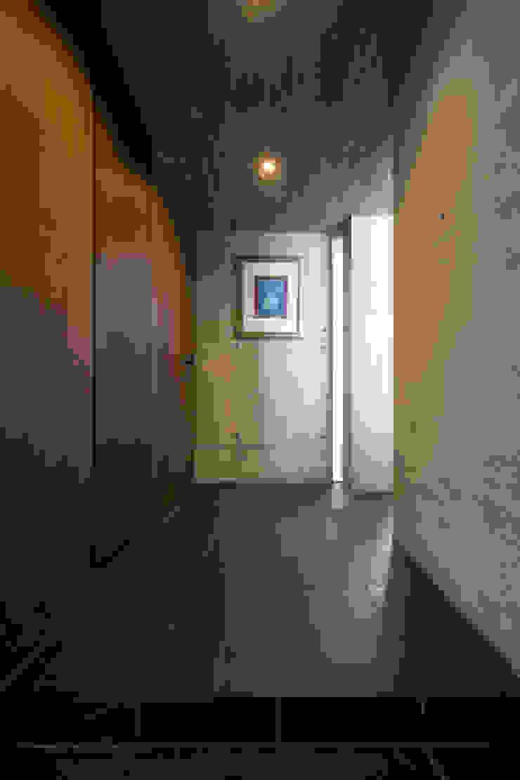 玄関ホール オリジナルスタイルの 玄関&廊下&階段 の 株式会社クレールアーキラボ オリジナル スレート