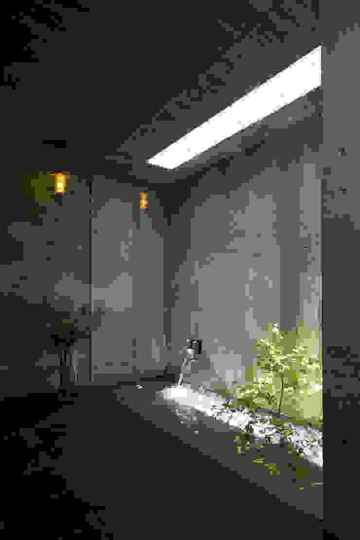 水盤 オリジナルスタイルの 玄関&廊下&階段 の 株式会社クレールアーキラボ オリジナル コンクリート