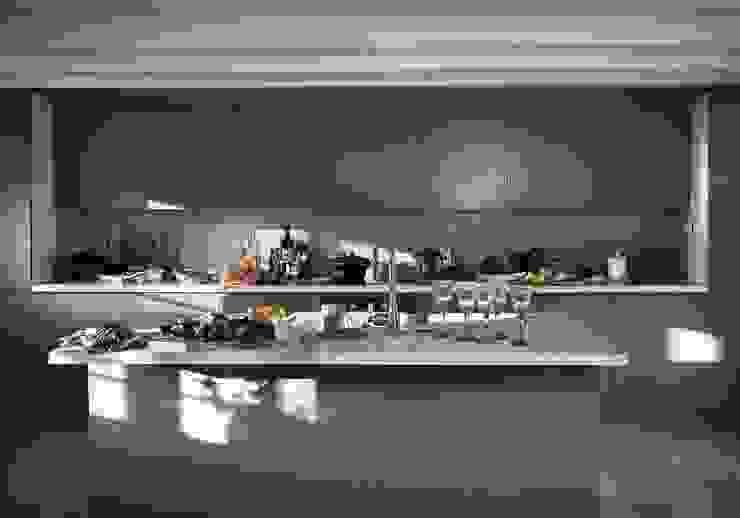 Il fascino dello stile nordico in una villa del '700 Cucina moderna di Design for Love Moderno