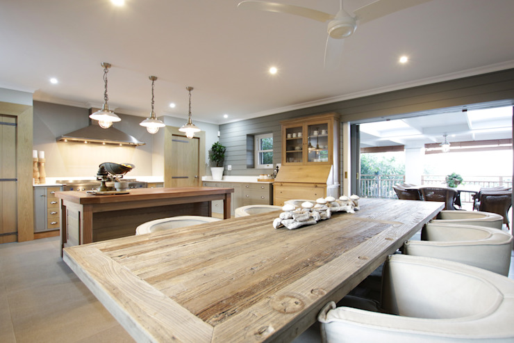 Dining- Open plan Rustic style dining room by JSD Interiors Rustic Wood Wood effect
