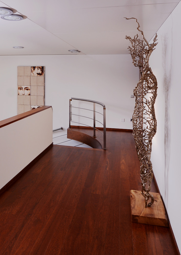 Hall piso superior - Projeto Casa das Artes por Musa Décor Moderno