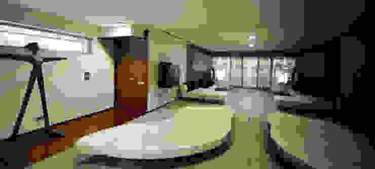 Sala de Estar - Casa das Artes by Musa Décor Corredores, halls e escadas minimalistas por Musa Décor Minimalista