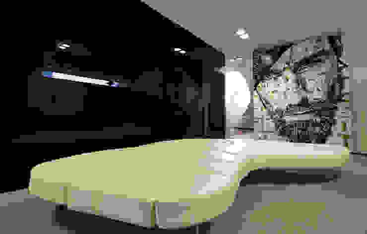 Sala de Espera - Casa das Artes by Musa Décor Adegas minimalistas por Musa Décor Minimalista