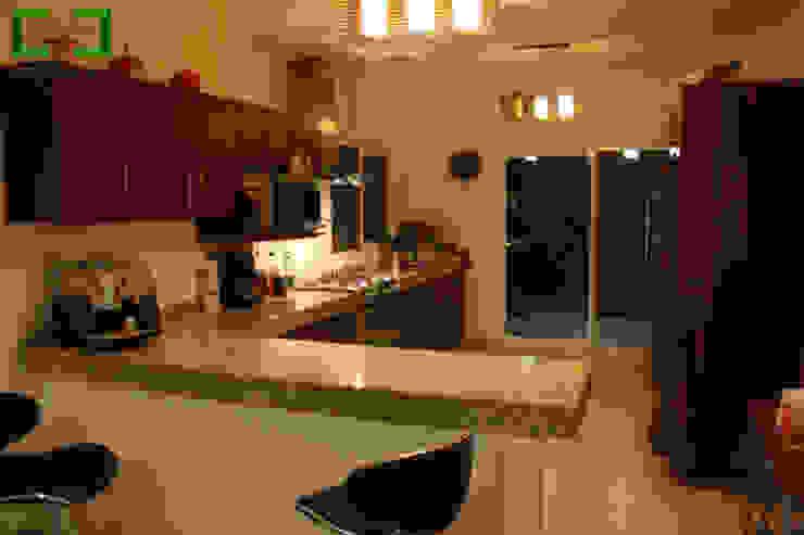 """Residencia """"RM-07"""" Cocinas modernas de [GM+] Arquitectos Moderno"""