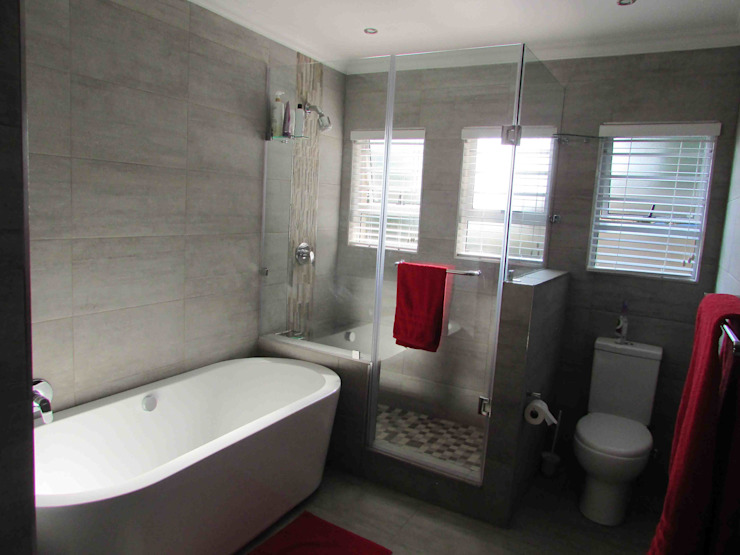 Modern style bathrooms by DG Construction Modern