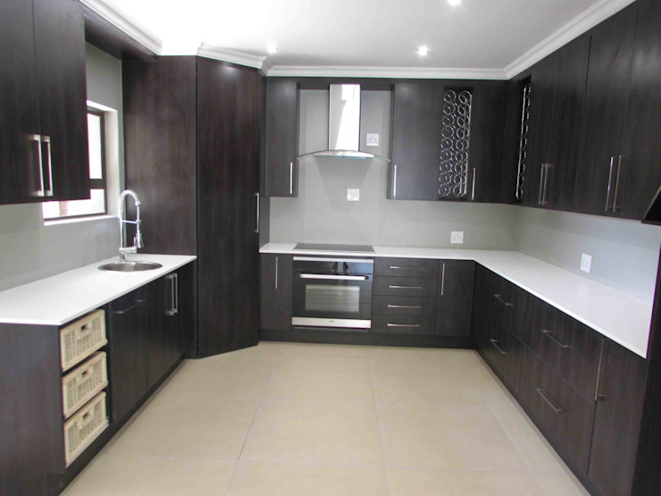 House Alterations, Internal Refurbishment and Extentions:  Kitchen by DG Construction,