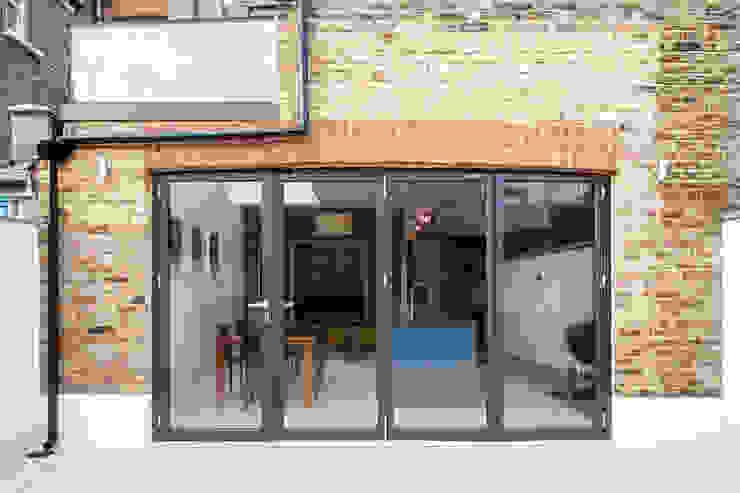 CALABRIA ROAD Nic Antony Architects Ltd Jardines de estilo moderno