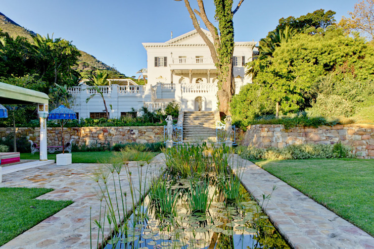 Enigma Mansion Colonial style garden by Urban Landscape Solutions Colonial