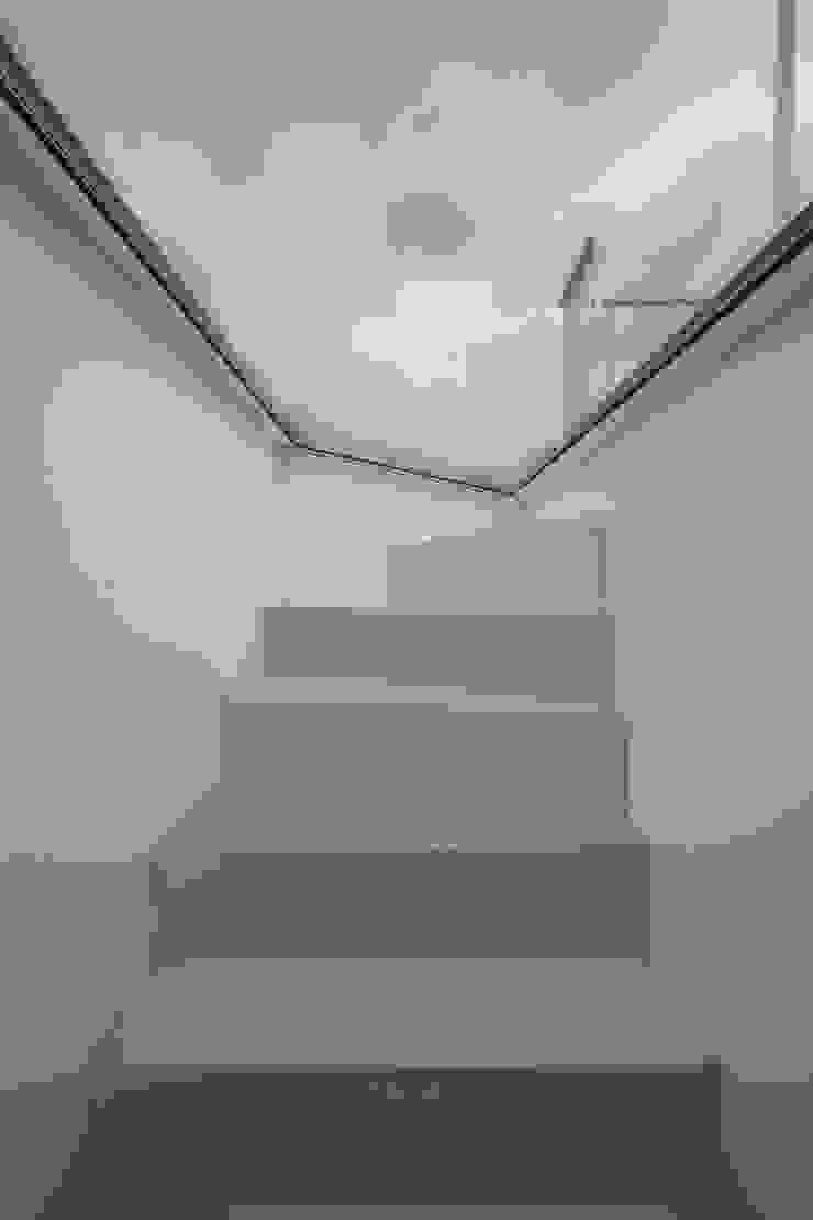 ห้องโถงทางเดินและบันไดสมัยใหม่ โดย brandt+simon architekten โมเดิร์น