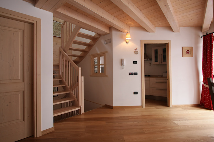 Rustic style corridor, hallway & stairs by Cubisoft Rustic Wood Wood effect