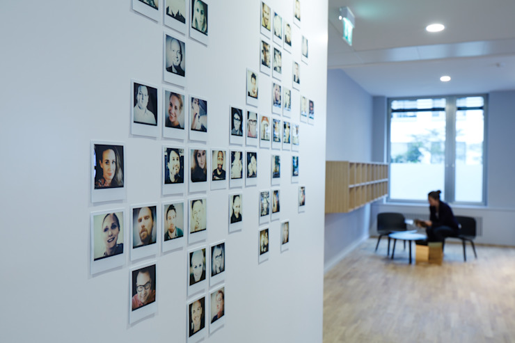 Photo Wall od INpuls interior design & architecture Nowoczesny