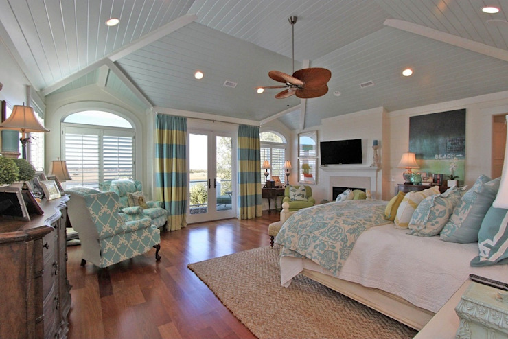 CASA BRUNO ventilador Windpointe estaño cromado aspas palmera Dormitorios de estilo tropical de Casa Bruno American Home Decor Tropical