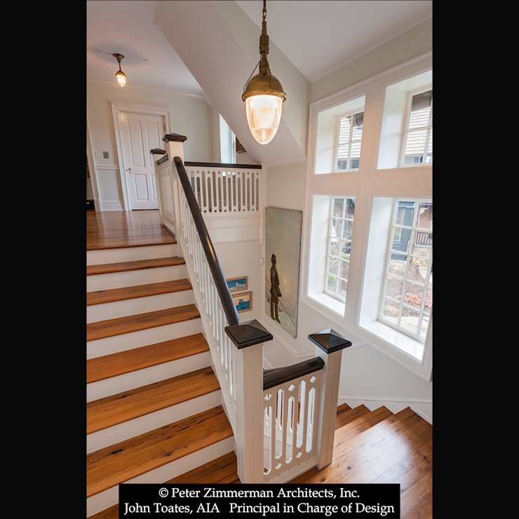 Main Stair Classic style corridor, hallway and stairs by John Toates Architecture and Design Classic