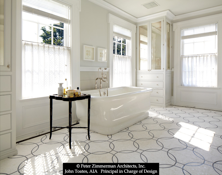 Master bathroom John Toates Architecture and Design Classic style bathrooms