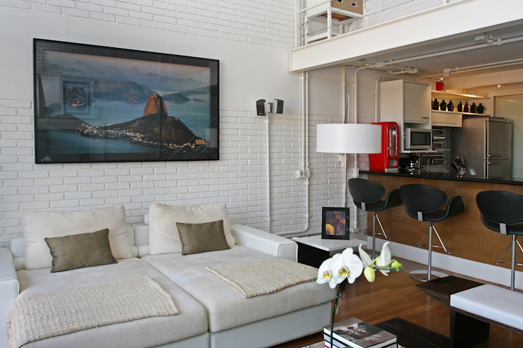 Living Salas de estar industriais por Célia Orlandi por Ato em Arte Industrial