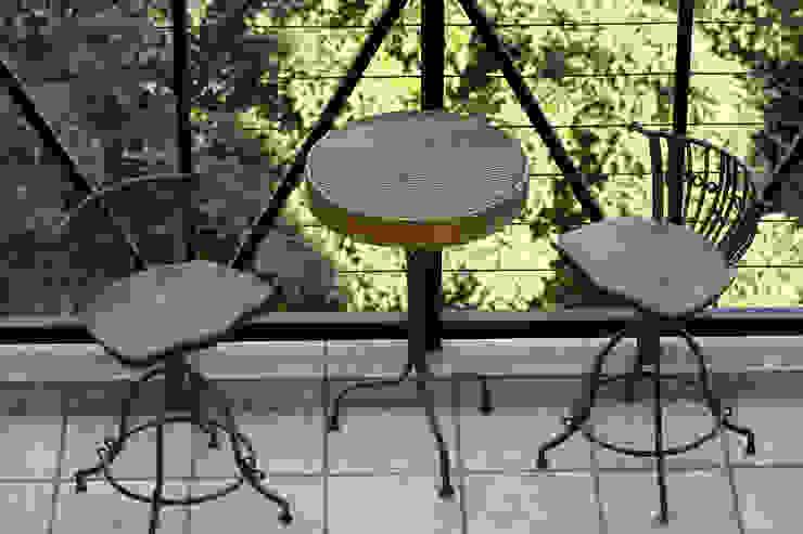 Varanda Varandas, alpendres e terraços industriais por Célia Orlandi por Ato em Arte Industrial