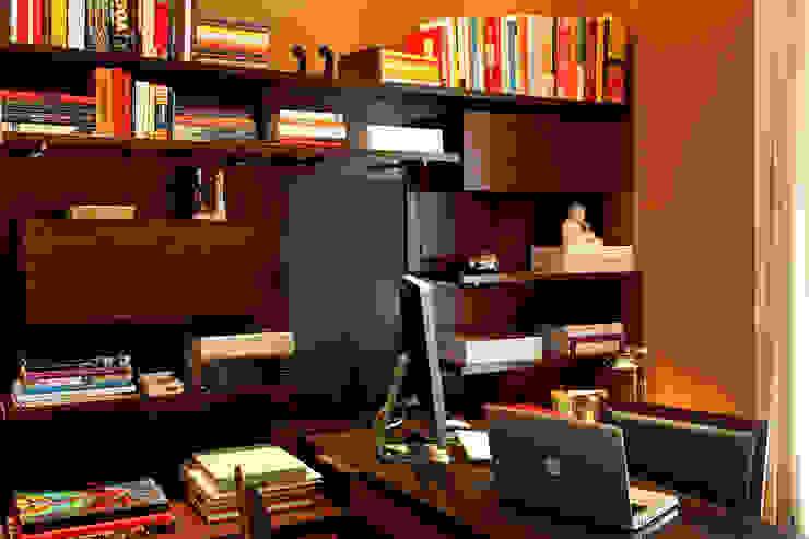 Office: Escritórios  por Célia Orlandi por Ato em Arte