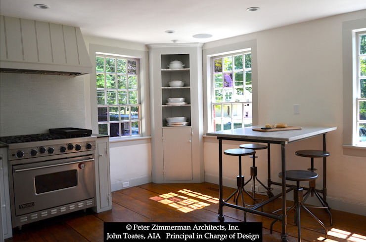 Cocinas de estilo clásico de John Toates Architecture and Design Clásico