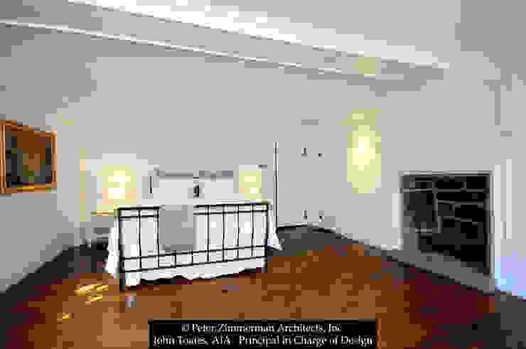 Dormitorios de estilo clásico de John Toates Architecture and Design Clásico