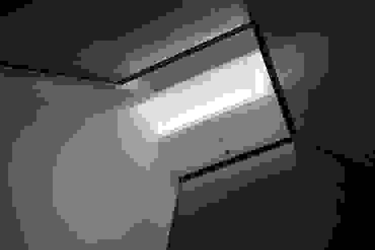 階段からの見上げ の 株式会社 藤本高志建築設計事務所
