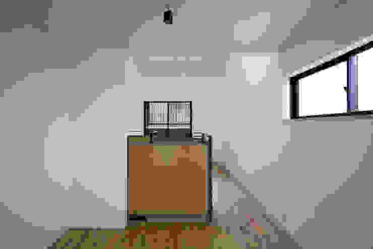キッチンからLDK の 株式会社 藤本高志建築設計事務所