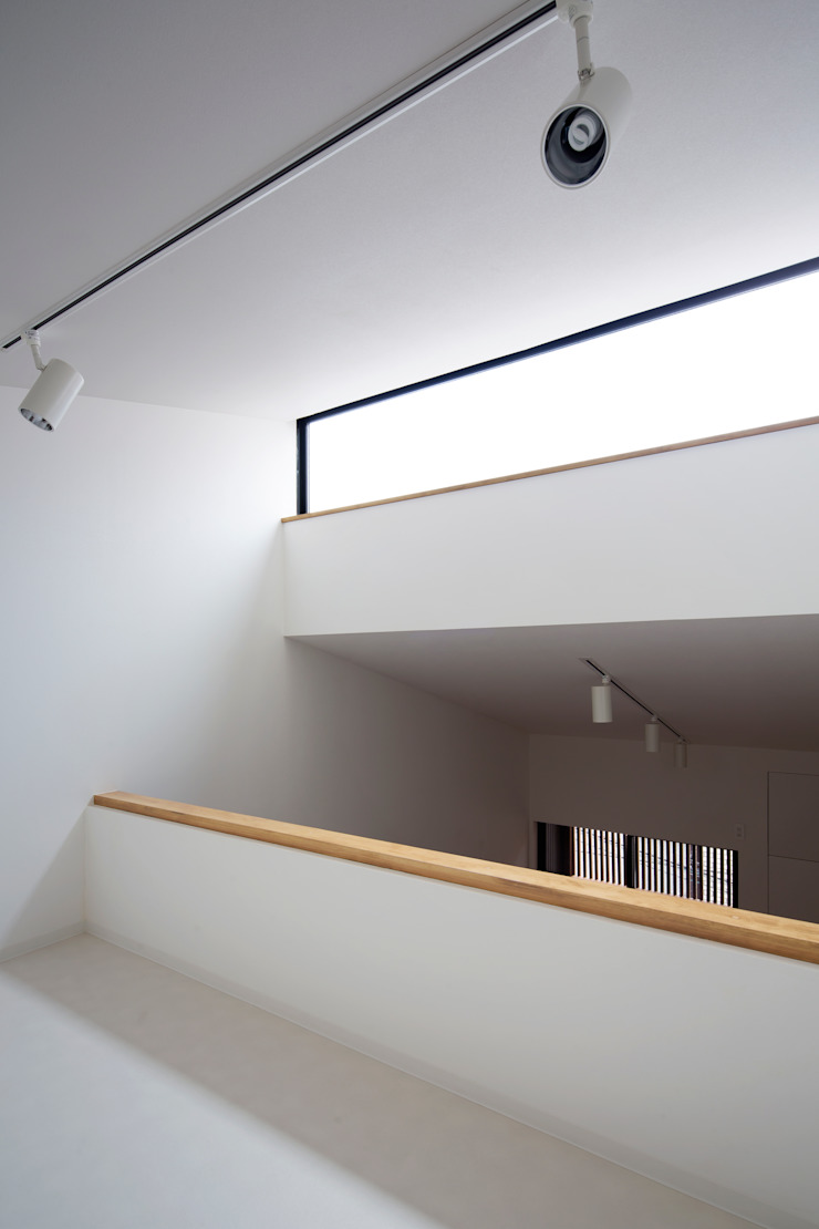 ロフトから開口部 の 株式会社 藤本高志建築設計事務所
