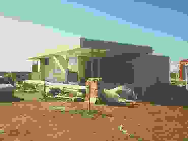 CASA LL Casas modernas: Ideas, imágenes y decoración de metrocubico . taller de arquitectura Moderno