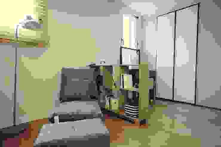 [홈라떼] 라이트 그레이로 톤업한 33평 위례 새아파트 홈스타일링 스칸디나비아 침실 by homelatte 북유럽