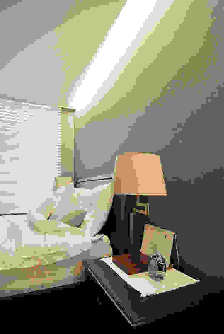 Modern style bedroom by JMdesign Modern