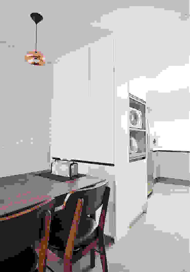 Modern kitchen by JMdesign Modern