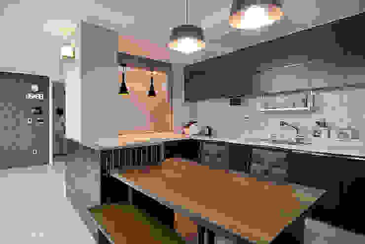 現代廚房設計點子、靈感&圖片 根據 JMdesign 現代風