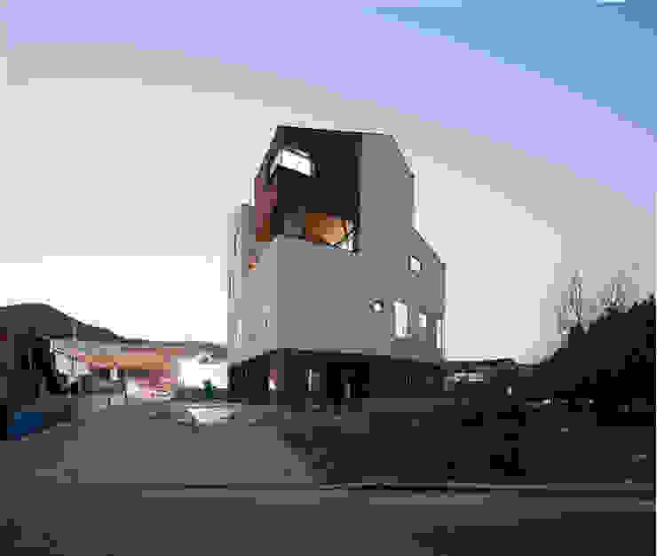통영 도마집 (도서관을 품은 마당집) 모던스타일 주택 by 리슈건축 모던