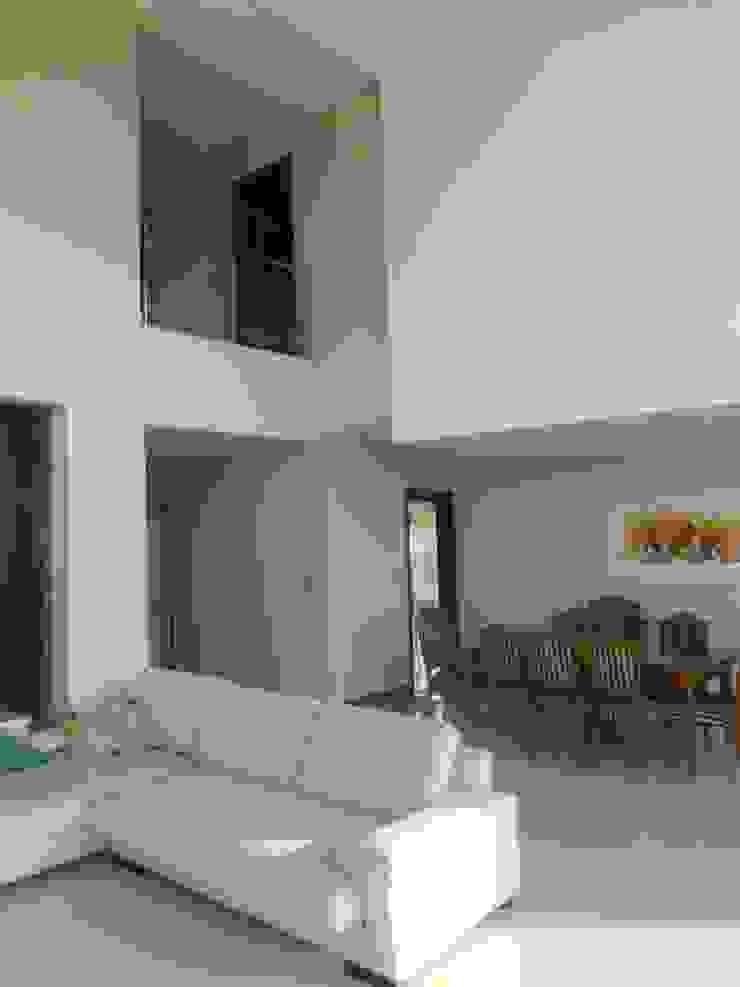 Moderne Wohnzimmer von MABEL ABASOLO ARQUITECTURA Modern