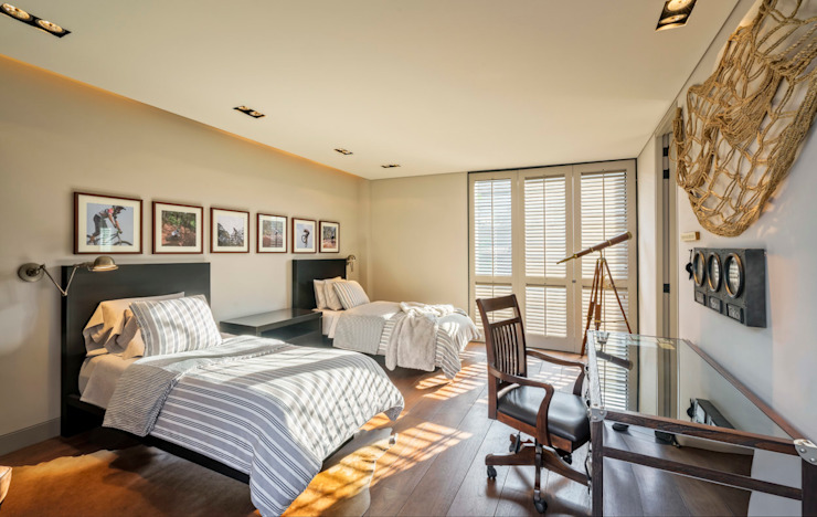 Classic style bedroom by Lopez Duplan Arquitectos Classic