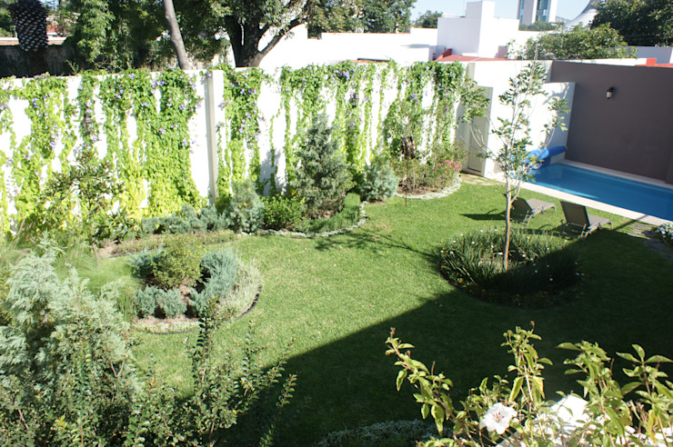 Classic style garden by Arquimia Arquitectos Classic