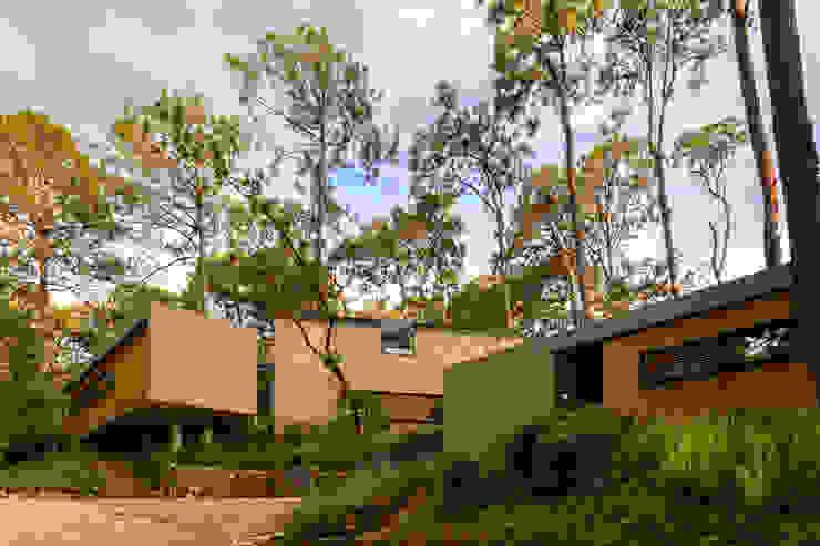 Cinco Casas (2015) Casas escandinavas de Weber Arquitectos Escandinavo
