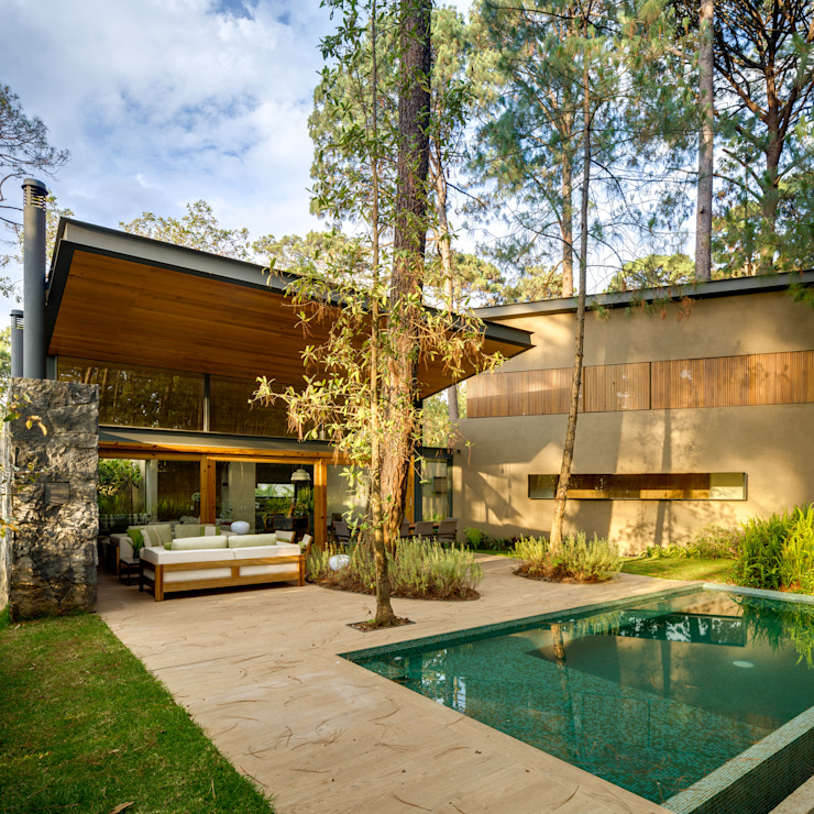 Fachada jardín - Casa 5 Weber Arquitectos Casas de estilo escandinavo