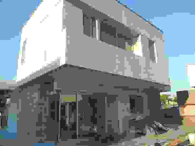 Rumah oleh MABEL ABASOLO ARQUITECTURA, Modern