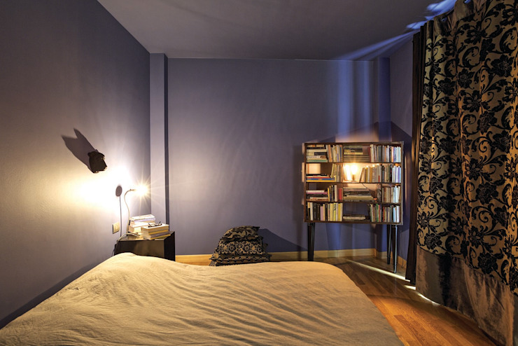 Interior with garden Camera da letto moderna di mg2 architetture Moderno