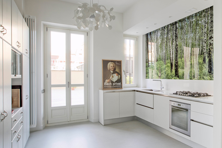 White and green Cucina moderna di mg2 architetture Moderno