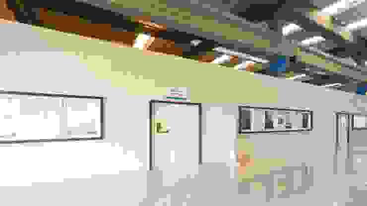Stefani Arquitetura Espacios comerciales de estilo moderno