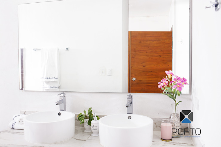 Baños de estilo  de PORTO Arquitectura + Diseño de Interiores,