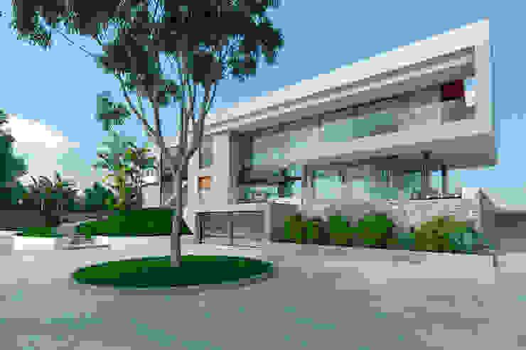 Fachada de acceso Casas modernas de Area5 arquitectura SAS Moderno Concreto