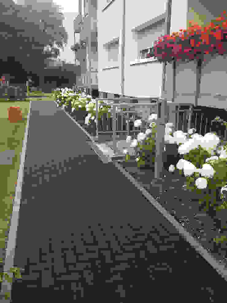 by SUD[D]EN Gärten und Landschaften Сучасний